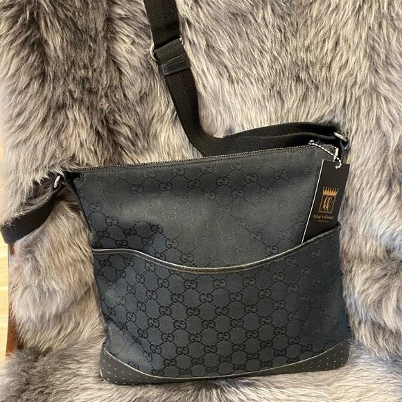Gucci Handbags - Gucci Crossbody bag
